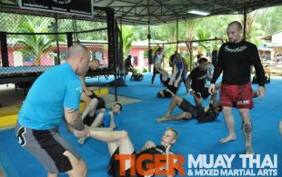 ATT Fighter Ben Starkes Seminar @TigerMuayThai - November 2011