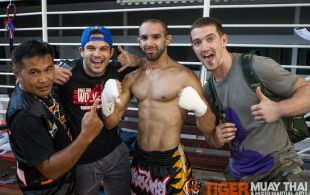 Emilio Urrutia fights at Bangla boxing stadium in Phuket, Thailand, Wednesday, Sep. 4, 2013. (Photo by Mitch Viquez ©2013)