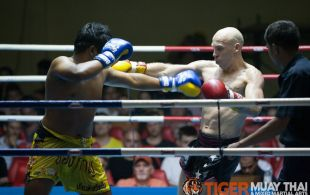 Corey Pearce fights at Patong Sainamyen Road stadium in Phuket, Thailand, Monday, Aug. 12, 2013. (Photo by Mitch Viquez ©2013)