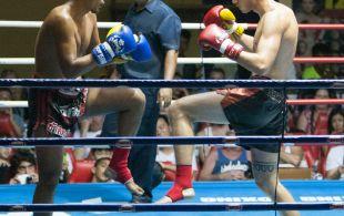 Jamie Davis fights at Patong Sainamyen Road stadium in Phuket, Thailand, Thursday, Aug. 8, 2013. (Photo by Mitch Viquez ©2013)